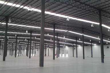 Dentro de parque industrial